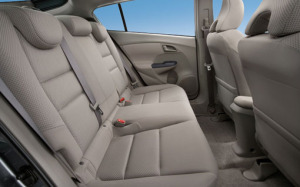 honda-insight-rear-seat-510